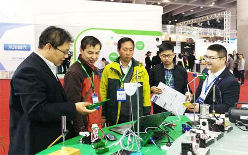 远大教科引爆第73届中国教育装备展
